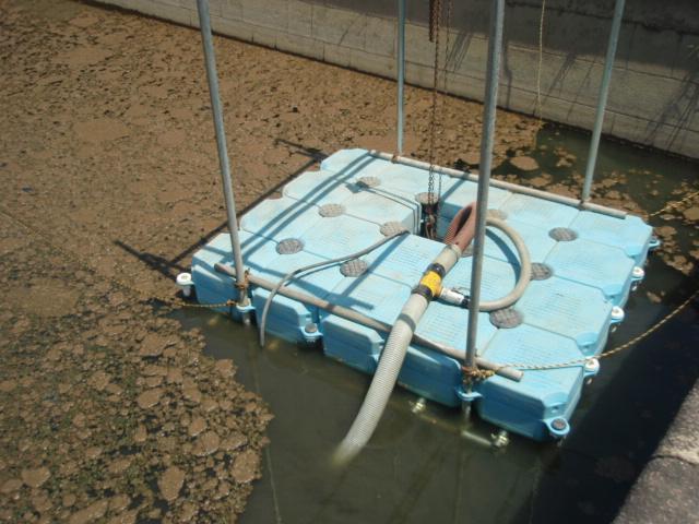 サンドポンプにて浚渫(約20,000ppm)